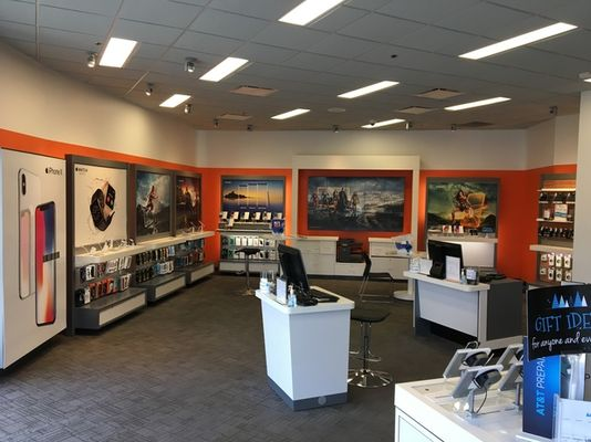 AT&T Store - 03.05.18
