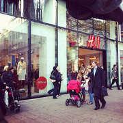 H & M Hennes & Mauritz Photo